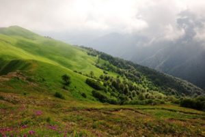Hiking in Lagotekhi park